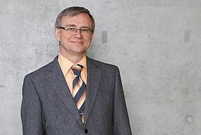 Professor Ulrich Möller vom Lehrbereich Bauphysik/Baukonstruktion der Hochschule für Technik, Wirtschaft und Kultur in Leipzig